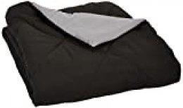 AmazonBasics - Edredón de microfibra reversible, gris/negro, 220 x 240 cm