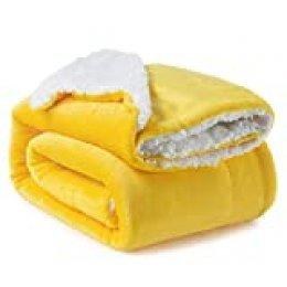 Bedsure Manta Reversible de Franela/Sherpa 150x200cm - Manta para Cama 90 de 100% Microfibra Extra Suave - Manta de Felpa Mostaza